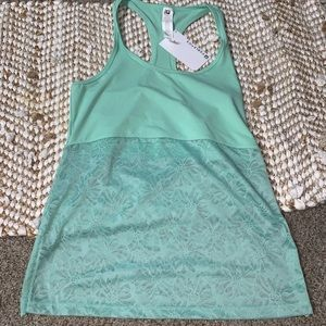 NWT sea foam green fabletics lace tank size medium